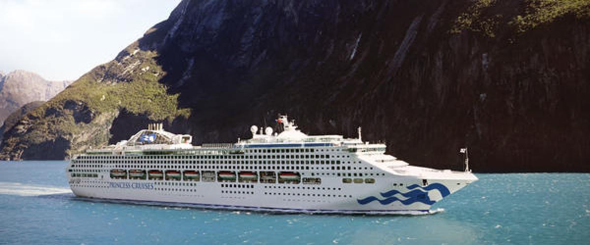 Sea Princess aide des naufragés
